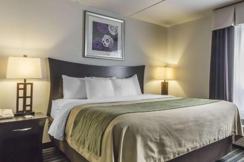 Comfort Inn & Suites - Moose Jaw, SK S6H 7W6