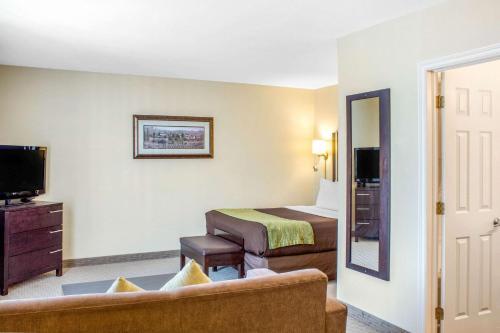 Comfort Inn Halifax - Halifax, NS B3M 2L8