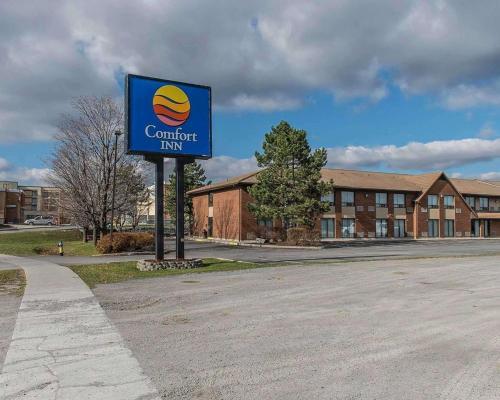 Comfort Inn Kingston Highway 401 - Accommodation - Kingston
