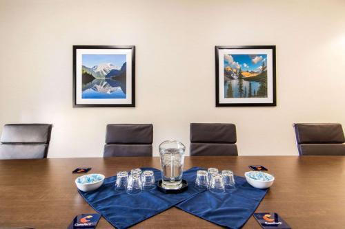 Comfort Inn & Suites Red Deer - Red Deer, AB T4P 3T5