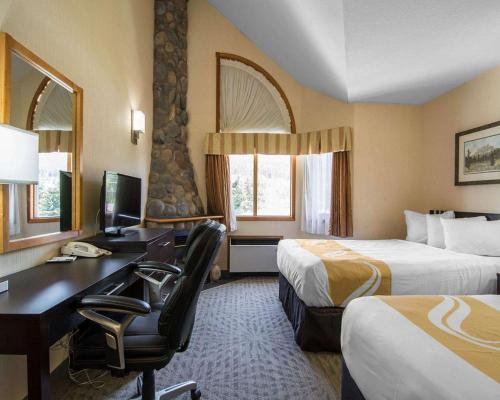 Quality Resort Chateau Canmore - Photo 6 of 27