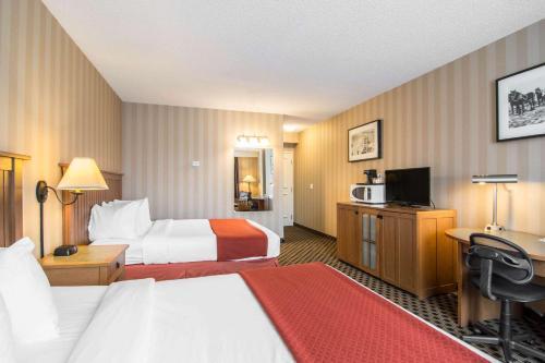 Quality Hotel Drumheller - Drumheller, AB T0J 0Y0