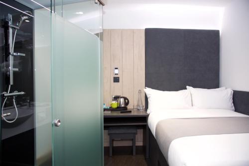 Photo - Z Hotel Bath