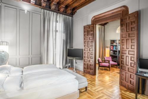 Suite Hotel Palacio De Villapanés 25