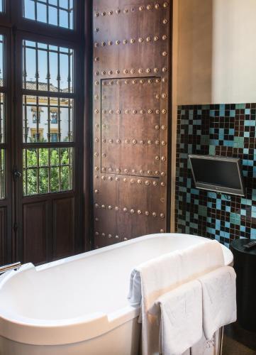 Suite Hotel Palacio De Villapanés 27