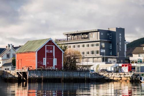 Vestnes Fjordhotell