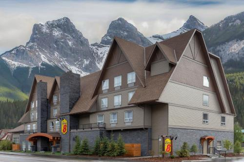 Super 8 by Wyndham Canmore - Canmore, AB AB T1W1N5
