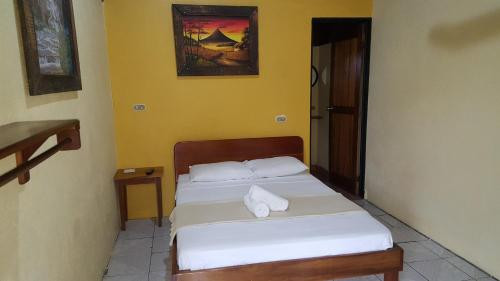Double Room with One Bed and Air Condition