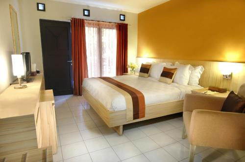 Penawaran Khusus - Kamar Superior Berdampingan tanpa AC (Special Offer - Adjoining Superior Room without AC)