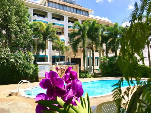 . Krabi Golden Hill Hotel