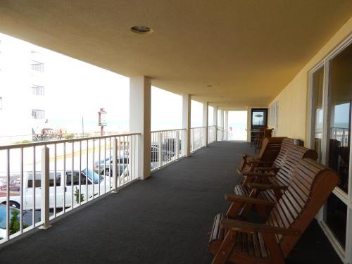 Howard Johnson Plaza Hotel By Wyndham Ocean City Oceanfront