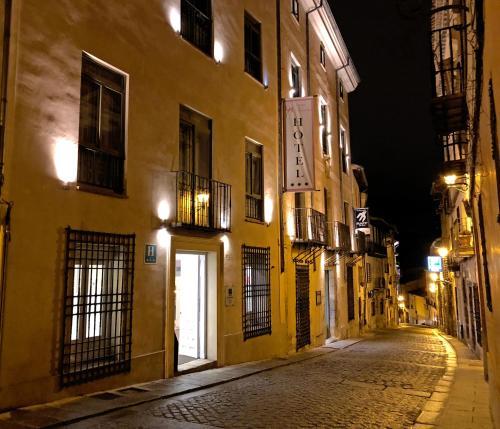 . Hotel Leonor de Aquitania