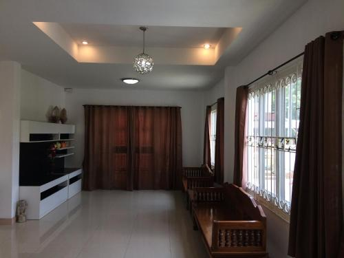 Khun Pom's House Khun Pom's House