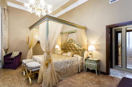 Fondamenta Rimpetto Mocenigo, Santa Croce 2063, 30135 Venice, Italy.