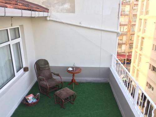 Istanbul Spacious Home/Private Room with 2 terraces rezervasyon