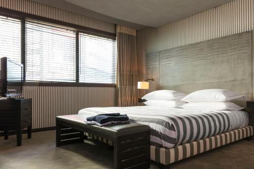 Hotel Square photo 21