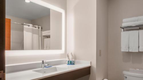 Holiday Inn Express Hotel & Suites Newton Sparta - Newton, NJ NJ 07860