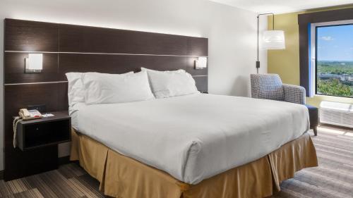 Holiday Inn Express Hotel & Suites Newton Sparta - Newton, NJ 07860
