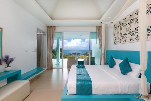 . Amala Grand Bleu Resort