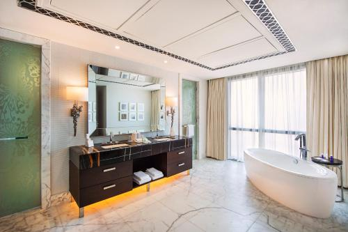 Hilton Dubai Al Habtoor City photo 95