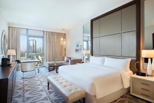 Hilton Dubai Al Habtoor City - Photo 2 of 100