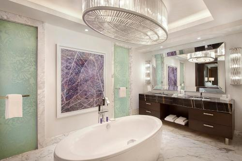 Hilton Dubai Al Habtoor City photo 100