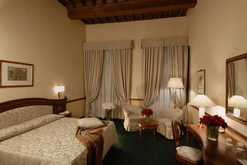 Lungarno Archibusieri 4, Florence, 50121, Tuscany, Italy.