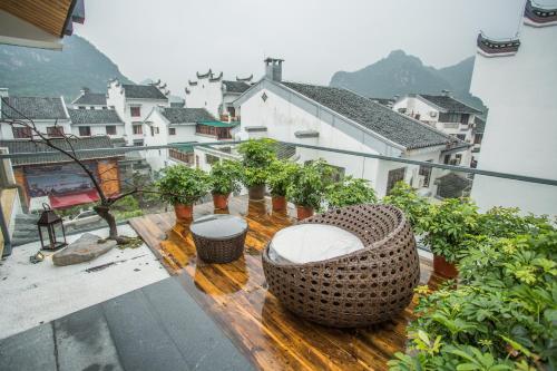Фото отеля Guilin Rain Cloud Live Hotel
