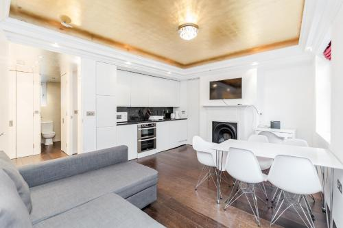 Trafalgar Square 2 bedroom apartment