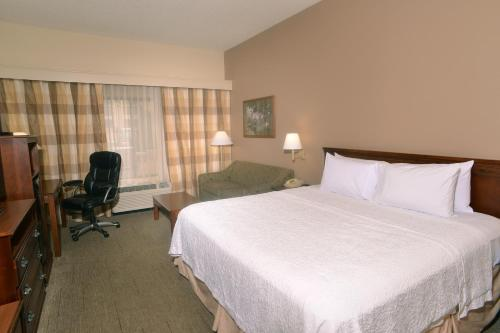 Hampton Inn & Suites Springfield in Springfield