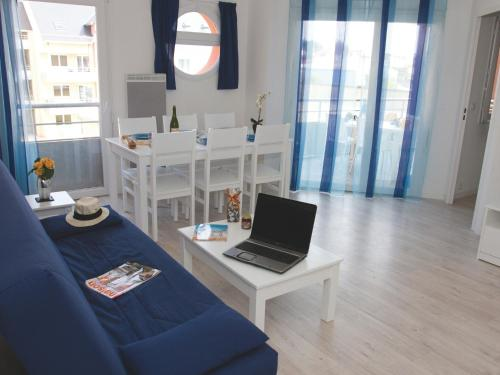 One-Bedroom Apartment with Balcony or Terrace (4 People)