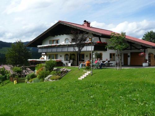 Gästehaus Schuler - Apartment - Kleinwalsertal