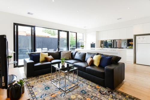 . BOUTIQUE STAYS - Murrumbeena Place 1