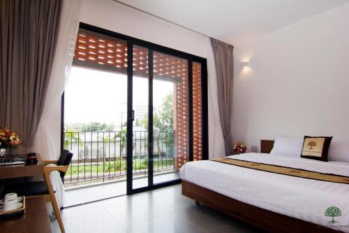 . khách sạn Huỳnh Thảo