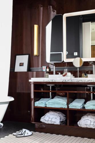 Hotel Les Bains Paris photo 40