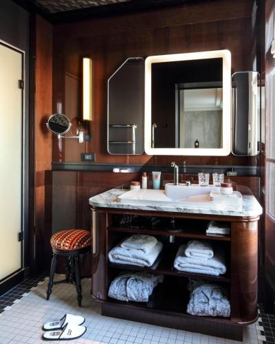 Hotel Les Bains Paris photo 58