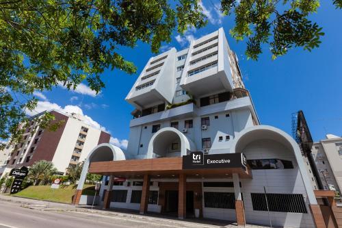 . Tri Hotel Executive Criciúma