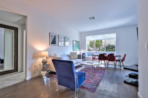 . Urban Flat Apartments @ North San Jose