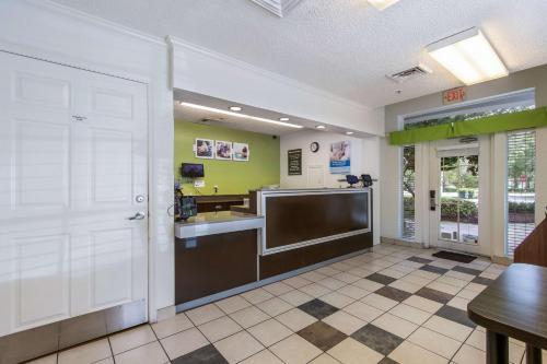Studio 6 Ft Lauderdale - Coral Springs - Coral Springs, FL 33067