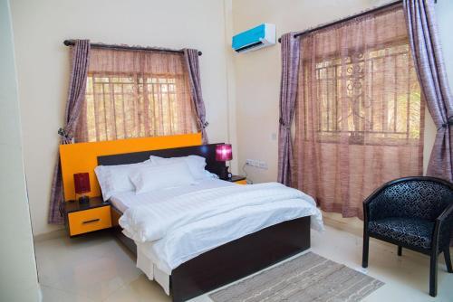 . Towlab Hotel & Suites