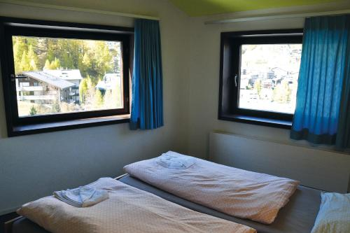 Zermatt Youth Hostel - Private Rooms Zermatt