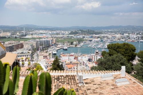 Basic Double Room - Sea View Hotel La Torre del Canonigo - Small Luxury Hotels 3
