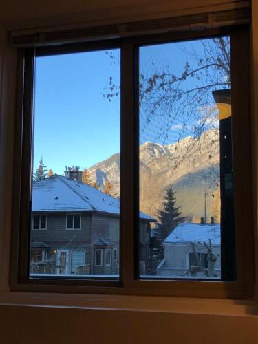 Mountain View Bed & Breakfast - Banff, AB T1L 1A9