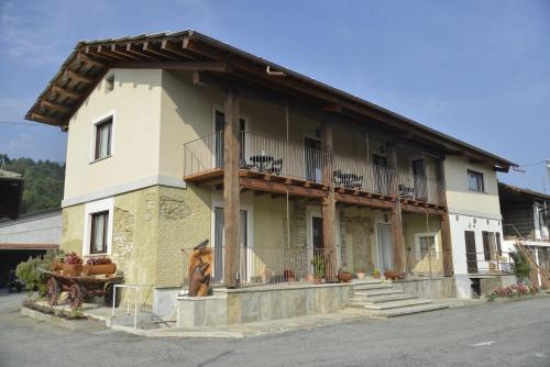 Agriturismo Ai Prüsot - Accommodation - Bagnolo Piemonte