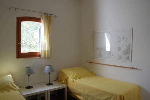 Porto Pino Villa Sleeps 10 WiFi img6