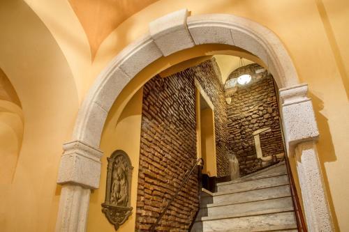 Via Del Biscione 6, Rome, 00186, Italy.