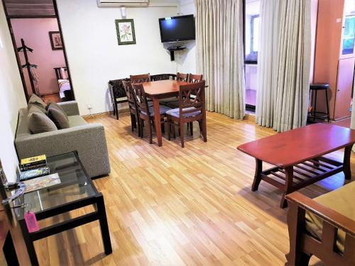 . 1 Br Apartment 2-4 in 7HCR Residencies
