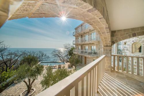 . Pietra Mare Apartments