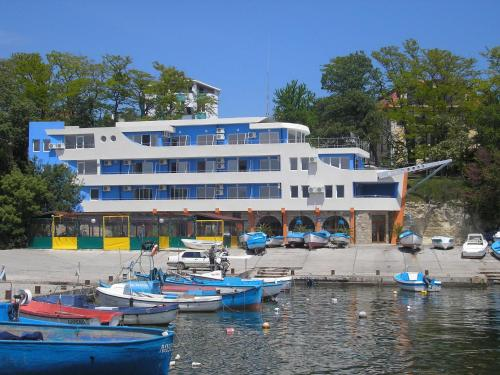 Ribarska Sreshta Family Hotel