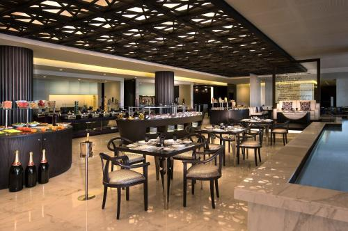 Sofitel Abu Dhabi Corniche photo 75
